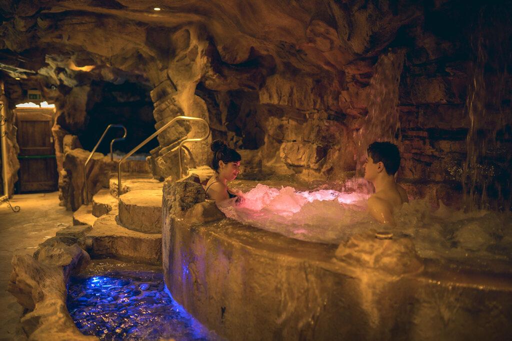 grotte-etrusche-resort-casanova-san-quirico-dorcia